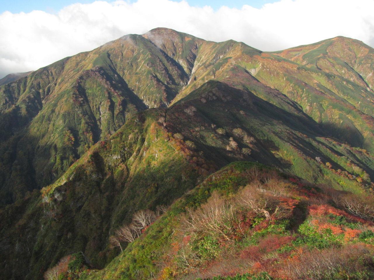 紅葉の大朝日岳