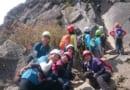 乾徳山で初めてヘルメット、スリング、カラビナを使う