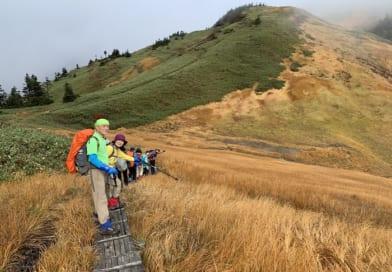 天気がよければ最高な紅葉日和の巻機山